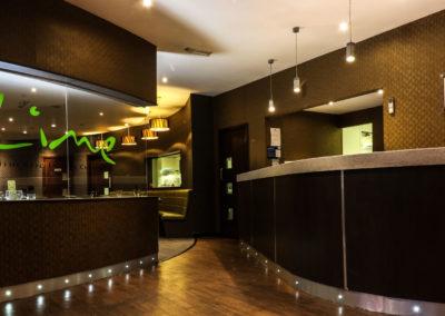 Lime-restaurant-luxury-enterance