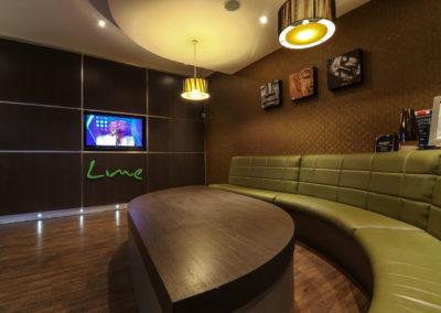 Lime-restaurant-waiting-area